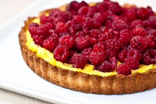 Tarta cu fructe si gelatina jamila